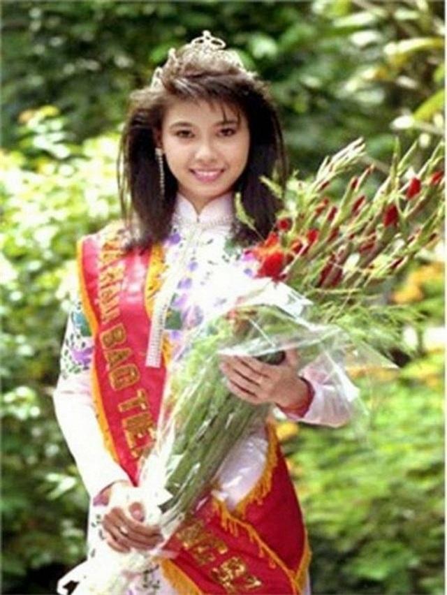 Vì sao Hoa hậu Hà Kiều Anh ít khi nhắc đến bố ruột? - 2