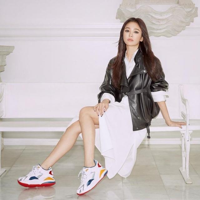 Song Hye Kyo quyến rũ khác lạ với trang điểm mắt mèo - 9