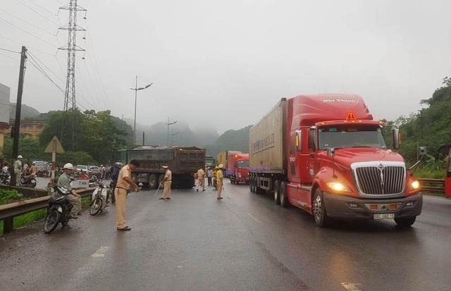 Nữ du khách nước ngoài bị xe tải cán tử vong - 4