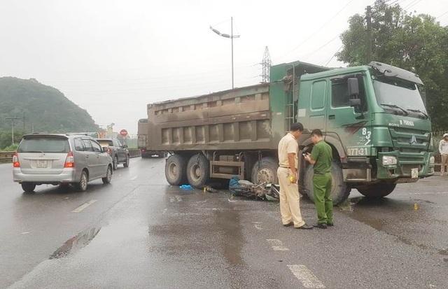 Nữ du khách nước ngoài bị xe tải cán tử vong - 3