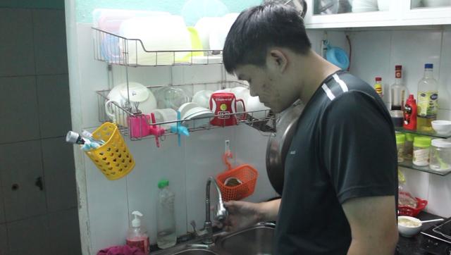 Người dân Đà Nẵng lao đao vì thiếu nước sinh hoạt - 1