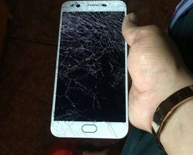 Vỡ mặt kính điện thoại có cần thay màn hình, cùng Fastcare giải đáp - 4