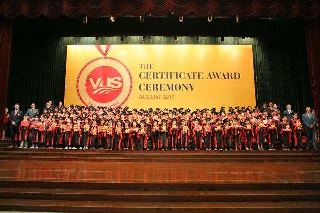Thêm 2.096 học viên VUS nhận chứng chỉ Anh ngữ quốc tế - 1