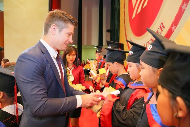 Thêm 2.096 học viên VUS nhận chứng chỉ Anh ngữ quốc tế - 3