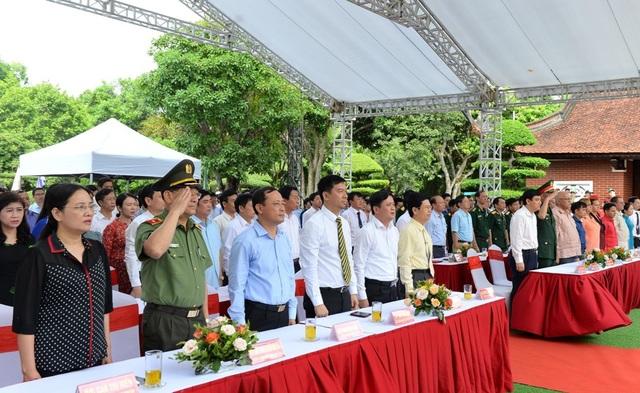 Trang trọng lễ tưởng niệm 50 năm ngày mất Chủ tịch Hồ Chí Minh - 1