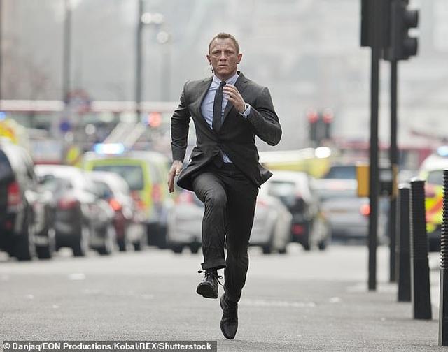 """James Bond, """"Không thời gian chết"""", và những điều ít biết - 3"""