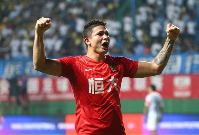 Quyết dự World Cup, Trung Quốc nhập tịch 5 cầu thủ Brazil - 1