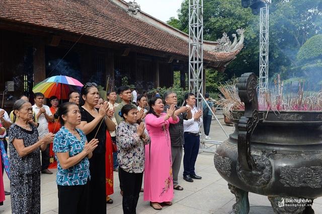 Trang trọng lễ tưởng niệm 50 năm ngày mất Chủ tịch Hồ Chí Minh - 4