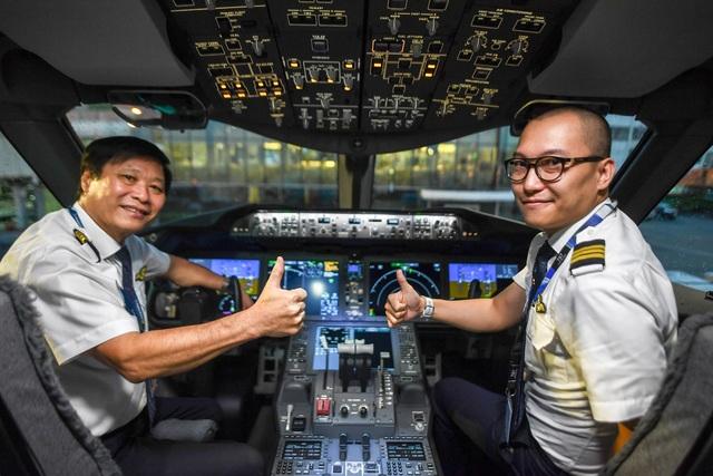 Hành khách ngỡ ngàng khi được trải nghiệm máy bay Boeing lớn nhất thế giới vừa về Việt Nam - 7
