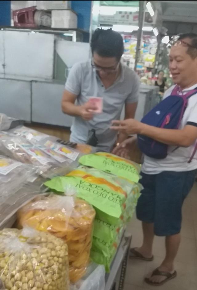 Đà Nẵng: Công khai mua bán hàng hóa bằng ngoại tệ - 5