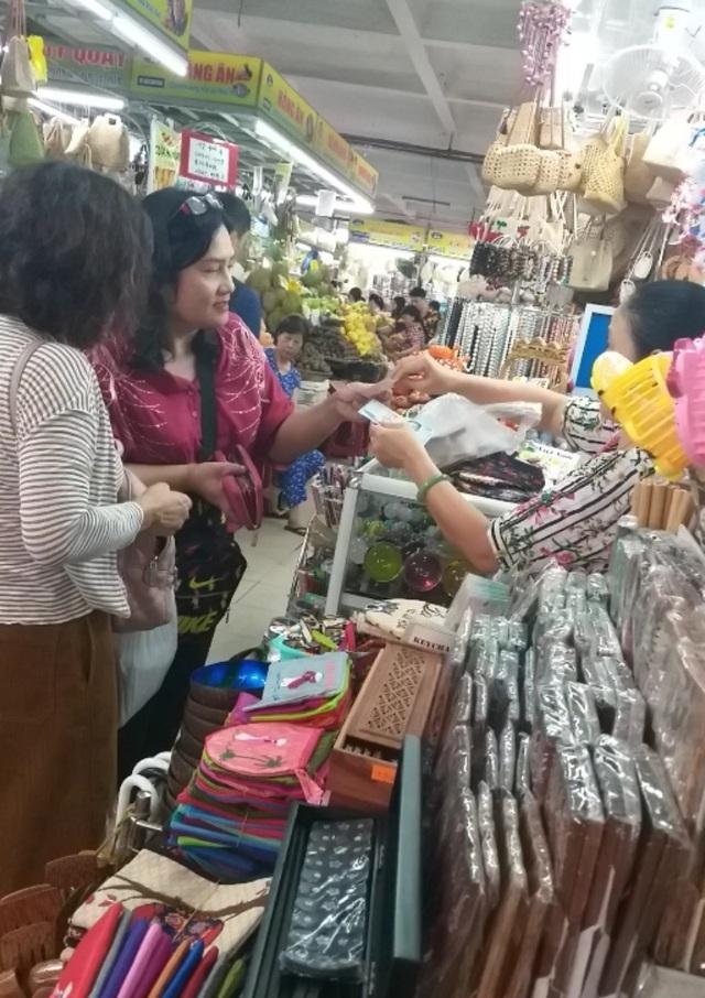 Đà Nẵng: Công khai mua bán hàng hóa bằng ngoại tệ - 3