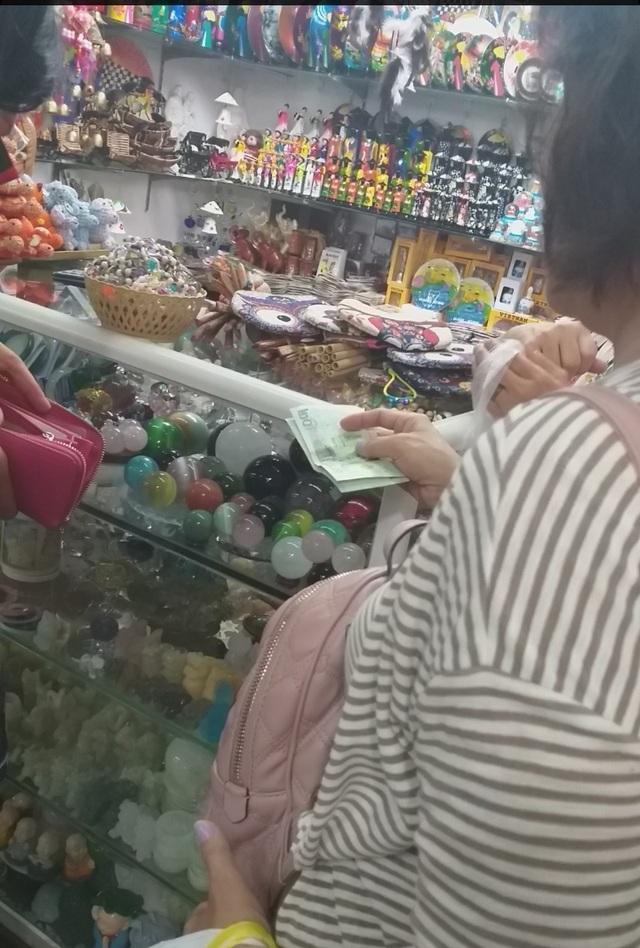 Đà Nẵng: Công khai mua bán hàng hóa bằng ngoại tệ - 2