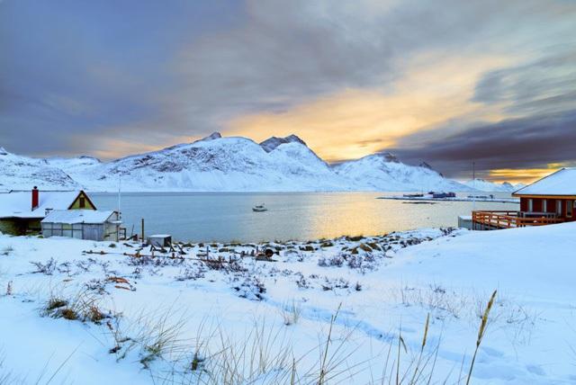Greenland, hòn đảo Tổng thống Trump đòi mua đẹp đến thế nào? - 2