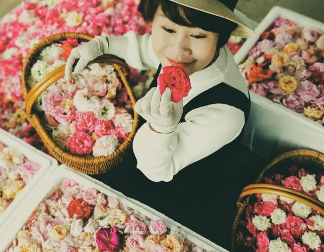 Nữ giám đốc đam mê hoa hồng, sở hữu trang trại hoa hồng đẹp như cổ tích hơn 30.000m2 - 3