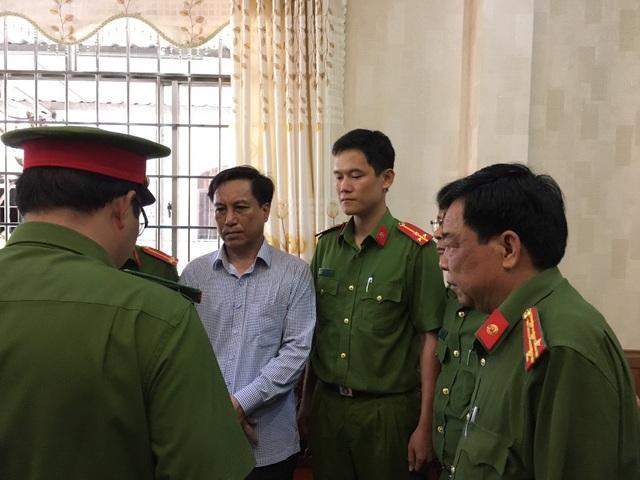 Bắt tạm giam nguyên Chủ tịch và Phó Chủ tịch UBND thành phố Trà Vinh - 1