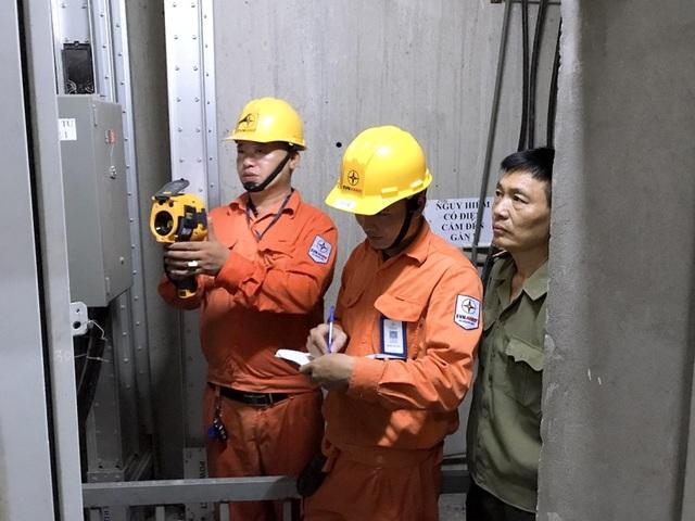 EVN HANOI đẩy mạnh tuyên truyền an toàn điện mùa mưa bão - 3