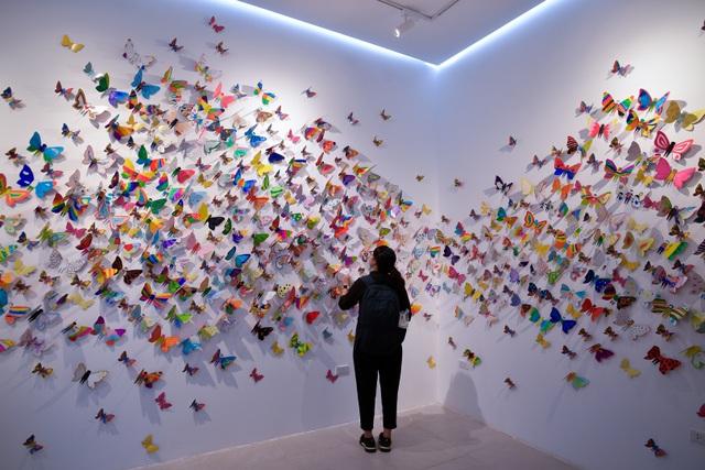 Tác phẩm mỹ thuật khổng lồ với 1300 cánh bướm giấy xuất hiện ở Hà Nội - 7