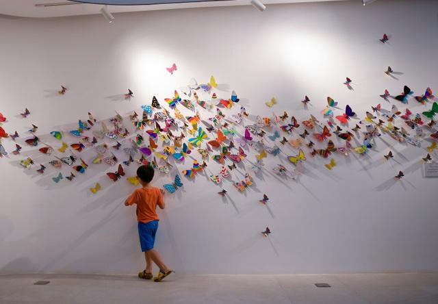 Tác phẩm mỹ thuật khổng lồ với 1300 cánh bướm giấy xuất hiện ở Hà Nội - 11