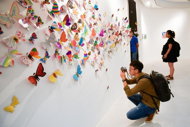 Tác phẩm mỹ thuật khổng lồ với 1300 cánh bướm giấy xuất hiện ở Hà Nội - 5