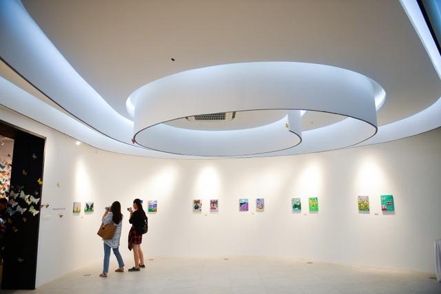 Tác phẩm mỹ thuật khổng lồ với 1300 cánh bướm giấy xuất hiện ở Hà Nội - 13