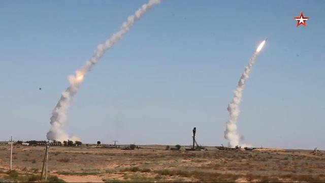 """Nga khai hỏa hơn 300 tên lửa trong cuộc tập trận phòng không """"khủng"""" - 1"""