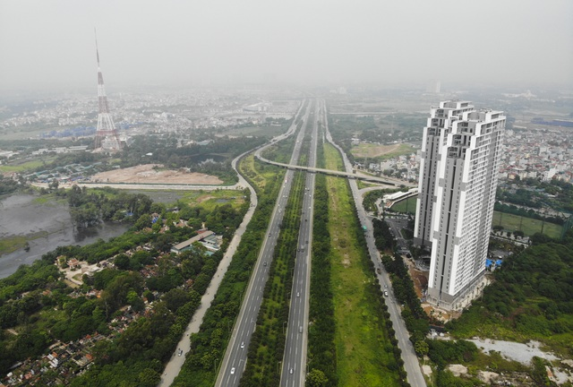 Nhìn từ trên cao rừng tái sinh suốt 24km dọc đại lộ Thăng Long - 1