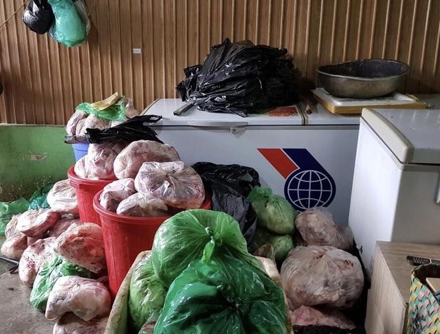 Phạt chủ cơ sở trữ 8 tấn thịt heo bốc mùi hôi thối hơn 100 triệu đồng - 2