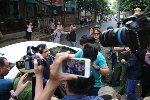 Bị cáo Nguyễn Hữu Linh lĩnh 18 tháng tù - 8