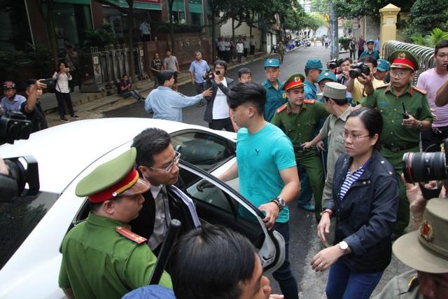 Bị cáo Nguyễn Hữu Linh lĩnh 18 tháng tù - 7