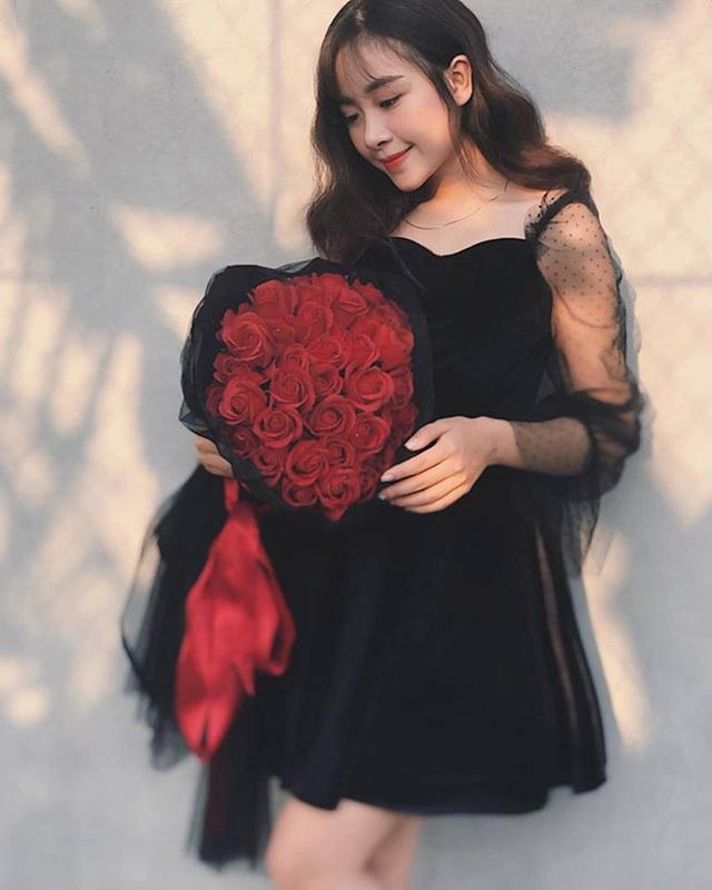 Cô giáo mầm non xinh đẹp bị đồn yêu Phan Văn Đức là ai? - 11