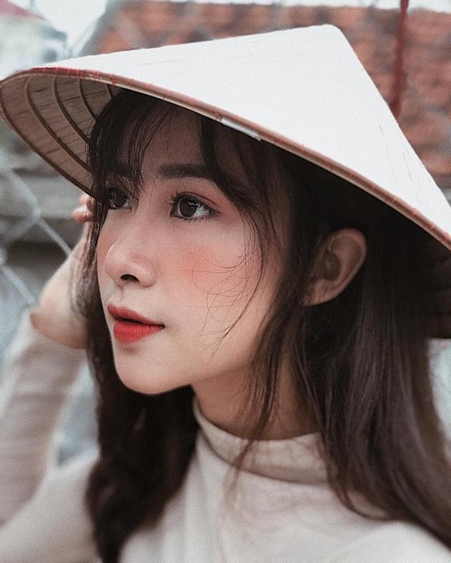 Cô giáo mầm non xinh đẹp bị đồn yêu Phan Văn Đức là ai? - 15