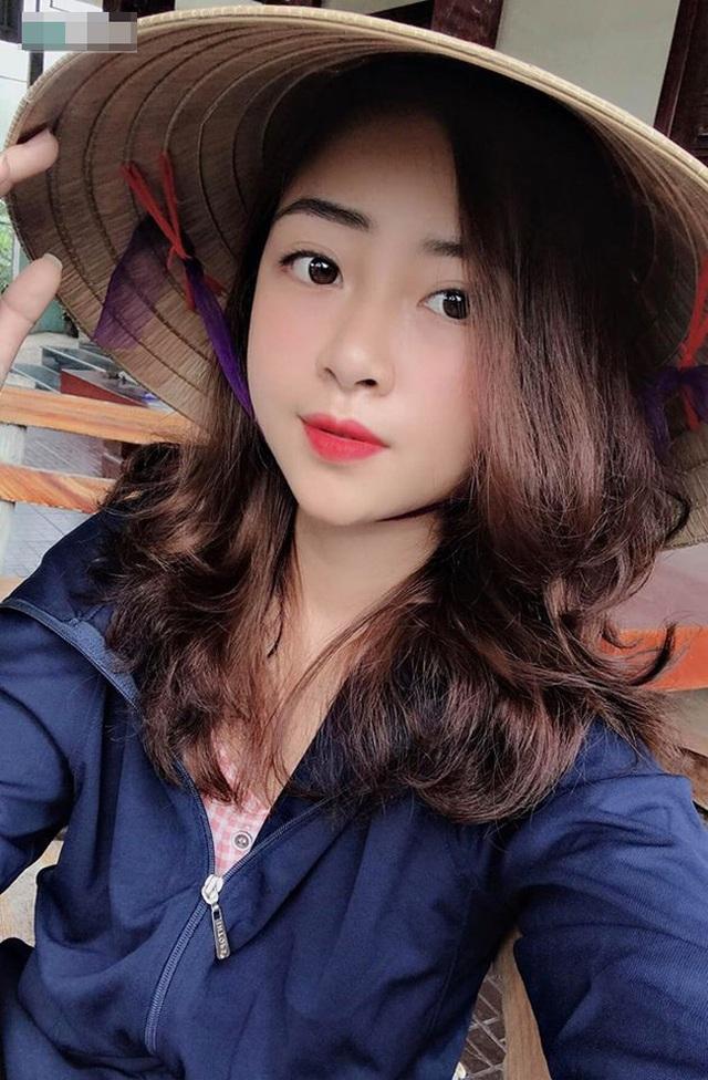 Cô giáo mầm non xinh đẹp bị đồn yêu Phan Văn Đức là ai? - 17