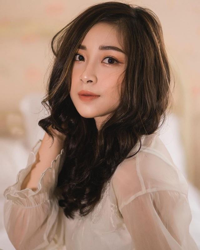 Cô giáo mầm non xinh đẹp bị đồn yêu Phan Văn Đức là ai? - 4