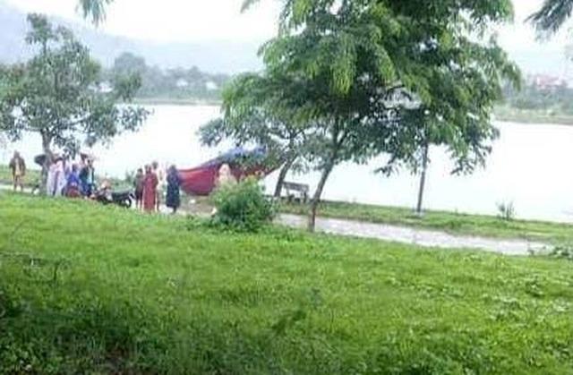 Thi thể phụ nữ nổi trên hồ nước công viên sau 1 ngày mất tích - 1