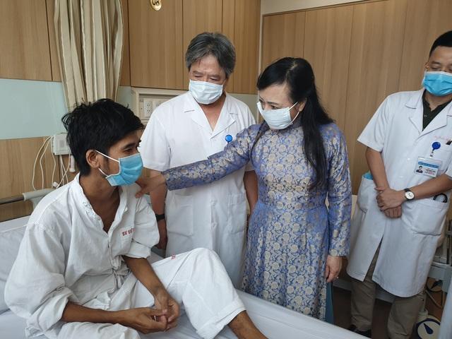 15 ca ghép tạng trong một tuần, Bệnh viện Việt Đức được thưởng nóng - 1