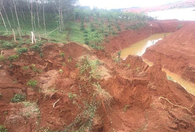 Sụt lún, sạt lở cạnh hồ bùn đỏ Nhà máy Alumin Đắk Nông - 3
