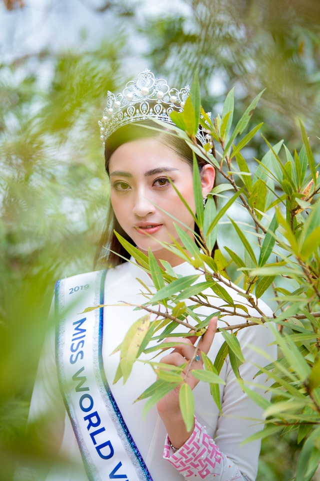 Hoa hậu Lương Thuỳ Linh thả dáng giữa chốn bồng lai tiên cảnh của Cao Bằng - 5