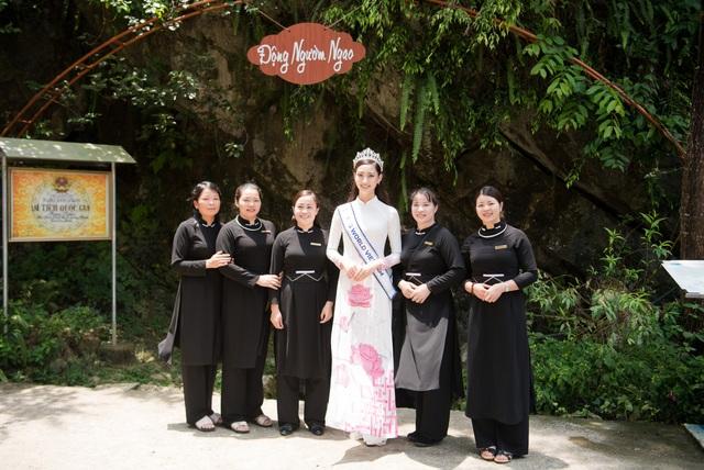 Hoa hậu Lương Thuỳ Linh thả dáng giữa chốn bồng lai tiên cảnh của Cao Bằng - 9