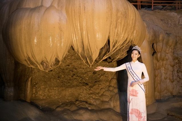Hoa hậu Lương Thuỳ Linh thả dáng giữa chốn bồng lai tiên cảnh của Cao Bằng - 3