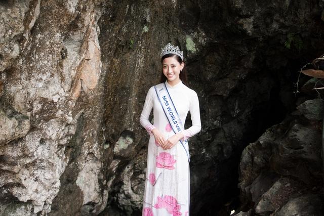 Hoa hậu Lương Thuỳ Linh thả dáng giữa chốn bồng lai tiên cảnh của Cao Bằng - 4