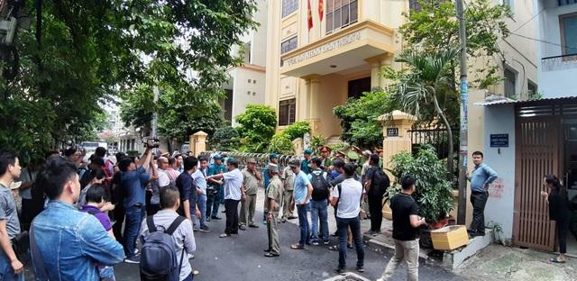Bị cáo Nguyễn Hữu Linh lĩnh 18 tháng tù - 5