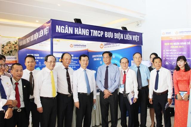 LienVietPostBank và tỉnh Phú Yên ký kết thỏa thuận hợp tác thúc đẩy thanh toán không dùng tiền mặt - 1