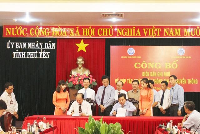 LienVietPostBank và tỉnh Phú Yên ký kết thỏa thuận hợp tác thúc đẩy thanh toán không dùng tiền mặt - 2