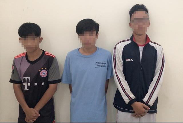 3 trẻ vị thành niên tạt sơn thuê với giá 500 ngàn đồng - 1