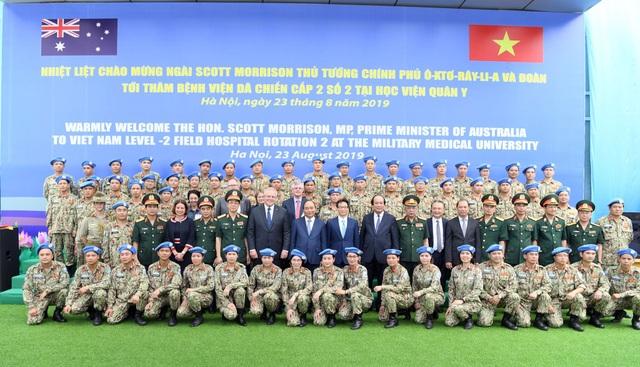 """Thủ tướng Việt Nam - Australia thăm """"bệnh viện dã chiến"""", trường đua xe F1 - 4"""