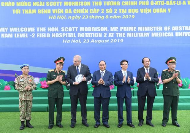 """Thủ tướng Việt Nam - Australia thăm """"bệnh viện dã chiến"""", trường đua xe F1 - 5"""