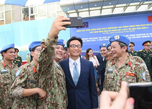 """Thủ tướng Việt Nam - Australia thăm """"bệnh viện dã chiến"""", trường đua xe F1 - 7"""