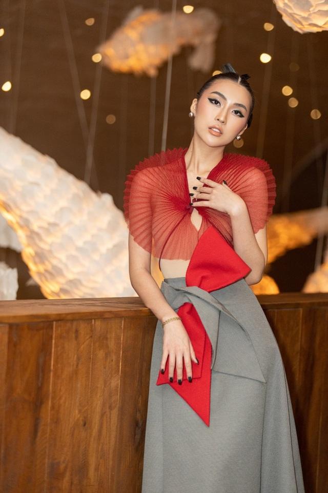Hết cay đắng vì yêu nhầm người có vợ, Hoa hậu Tường Linh lại bị nghi… les - 7