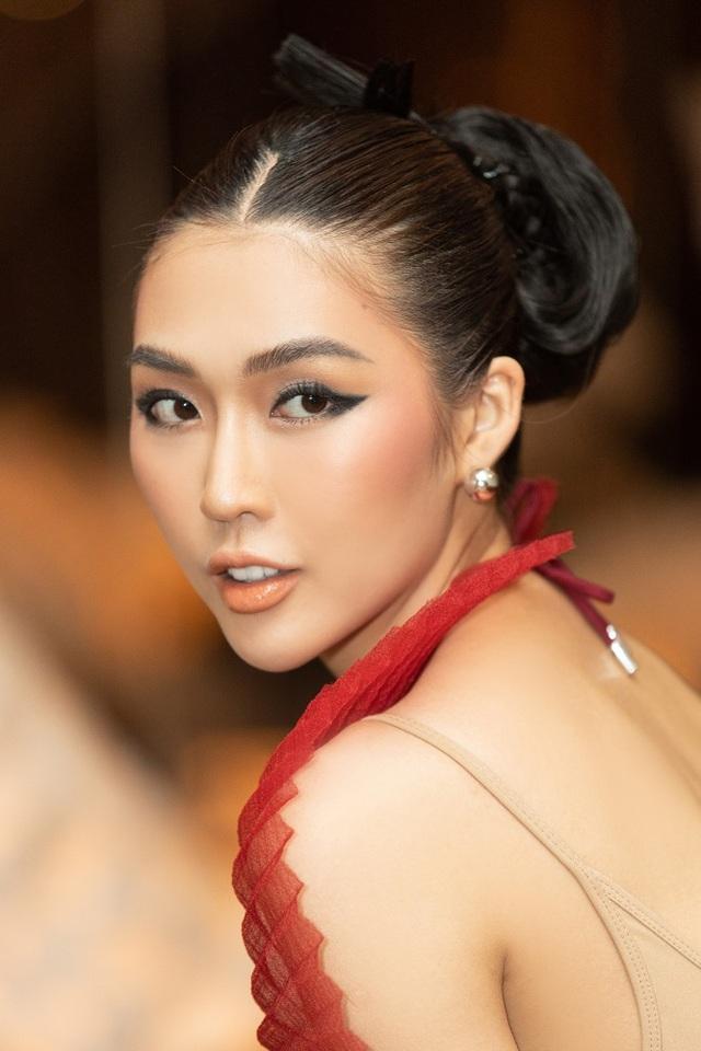 Hết cay đắng vì yêu nhầm người có vợ, Hoa hậu Tường Linh lại bị nghi… les - 3