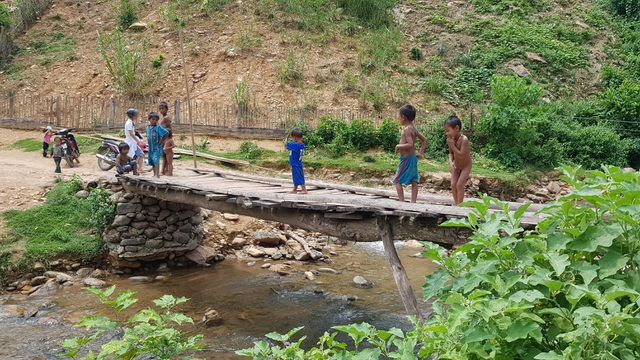 Na Kho khao khát một cây cầu giữa đại ngàn heo hút - 16